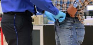 TSA pat-down screening. Foto: TSA.gov