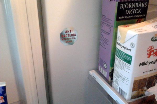 Foto från kylskåp. Siemens använder silverbeläggning för antibakteriell effekt.