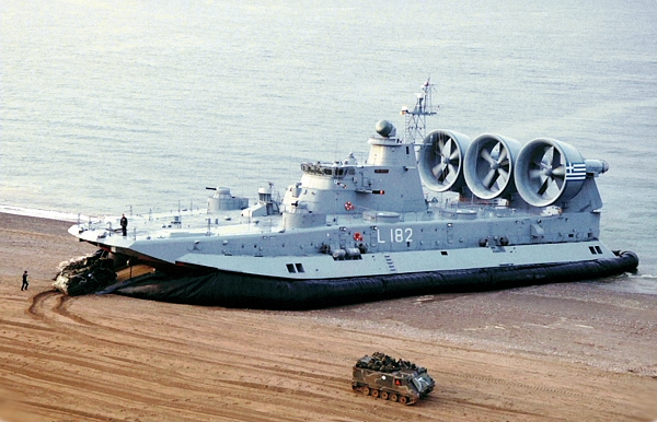 zubr-hovercraft