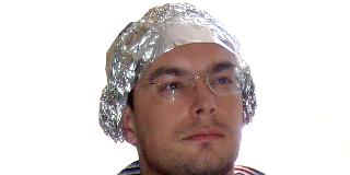 Tin Foil Hat–Photo: Drvec
