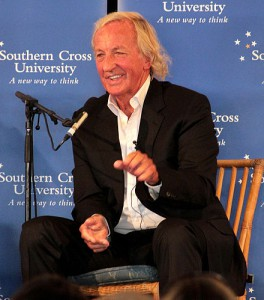 John Pilger, 2011. Foto: SCU Media Students. Licens: CC BY 2.0, Wikimedia Commons