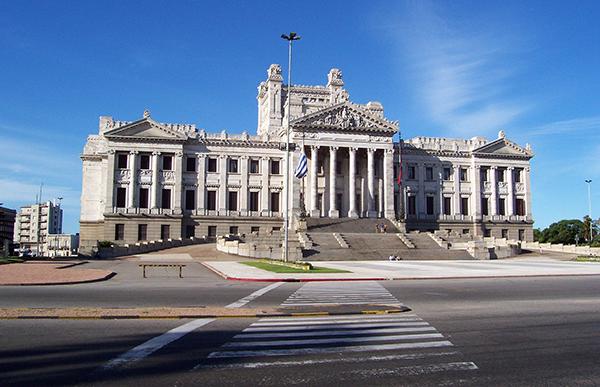 Uruguay,   Palacio Legislativo Foto Wikimedia Commons