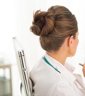 Läkare kvinnlig - Crestock.com