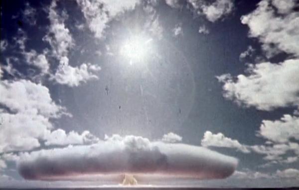 Atombombsprov i franska Polynesien