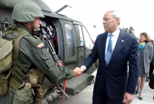 Colin Powell (former US Secretary of State) visiting Colombia as part of the US support of Plan Colombia. Photo: Zero Gravity,   Wikimedia Commons