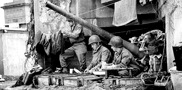 WWII_Europe_France_-Allied_Soldiers_Do_Laundry_in_Captured_German_Pillbox-_-_NARA_-_196300-1170x500