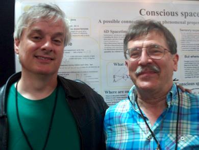 Jan Pilotti till höger med David Chalmers (tv) på konferensen Toward a Sciense of Consciousness Arizona 2014 - Foto: Börje Peratt