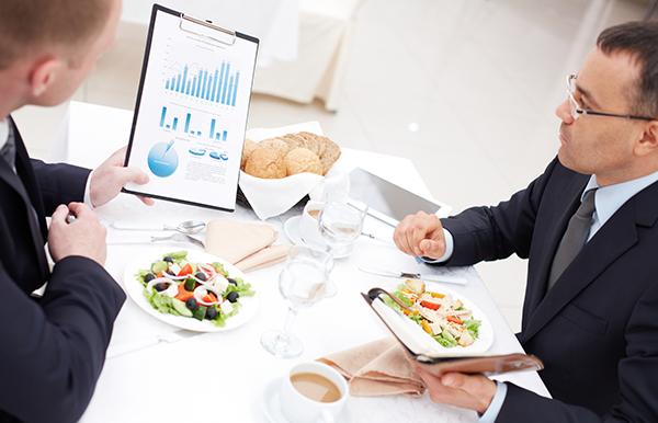 Lobbyists lunch - Photo: Crestock