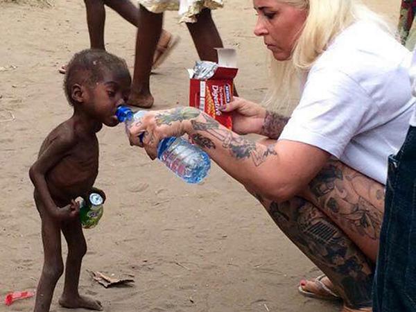 Anja Ringgren Loven och Hope i Nigeria
