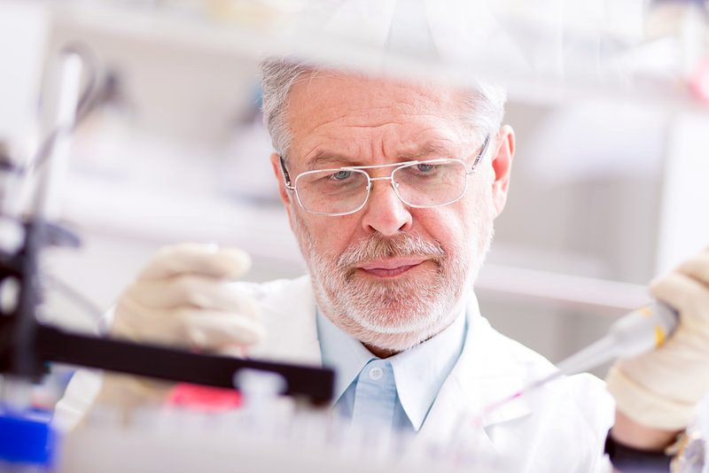 Medicinsk forskning och experiment - Crestock