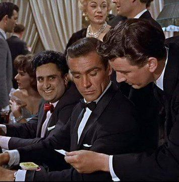 James Bond, Sean Connery spelar på casino i filmen Dr No