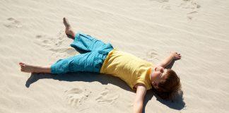 Barn som upplever mindfulness - Bild: Crestock.com