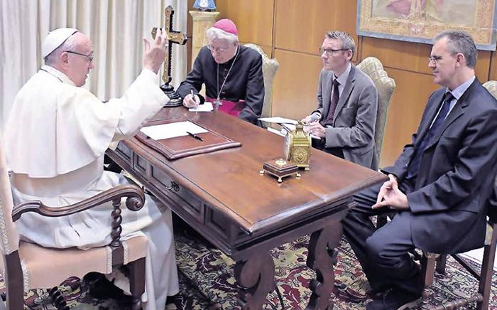 Påven Franciskus kritiserar media
