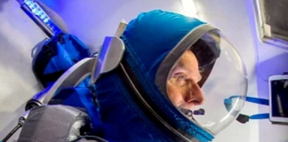 Boeing space suit 2017