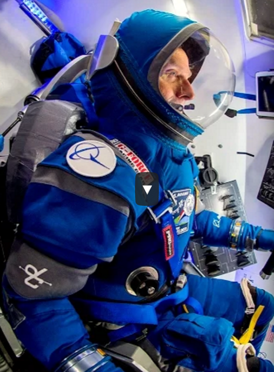 Boeing space suit 2017