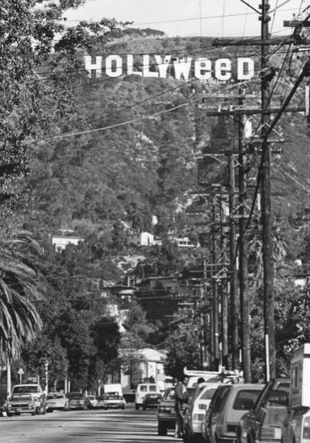 Hollywood-skylten bytte namn även 1976