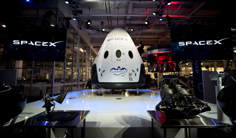 SpaceX Dragon 2 - Pressfoto