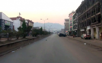 Another empty main street in Bamenda, 2017 - Photo: Wilson Musa