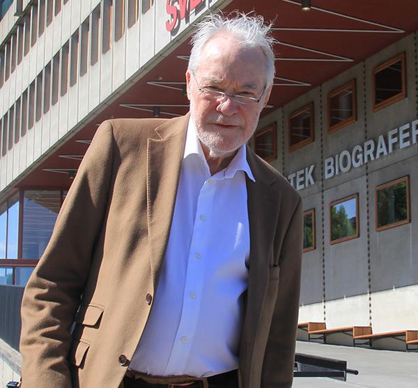 Dr Erik Enby: Örten Artemisia kan vara verksam mot cancer om tumören innehåller mikroorganismer