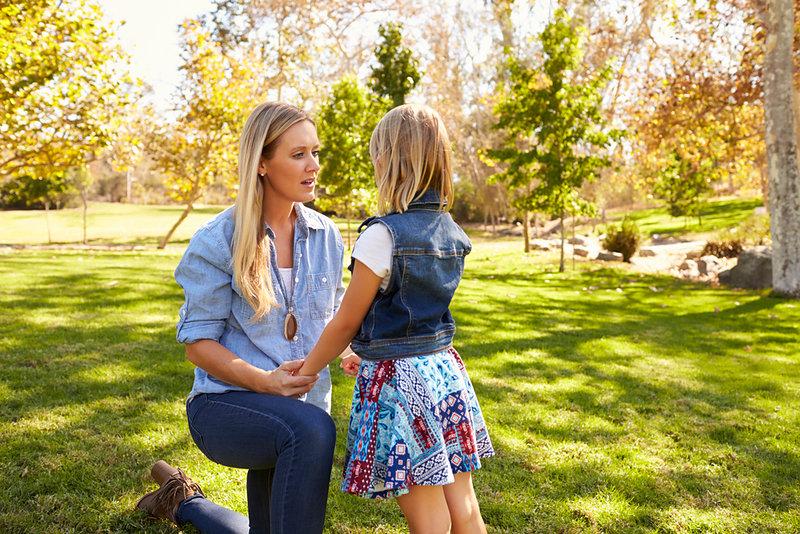 Mamma och dotter (temafoto) - Crestock.com