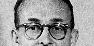 Dr Richard Day pekas ut som en insider i Rockefeller-familjen