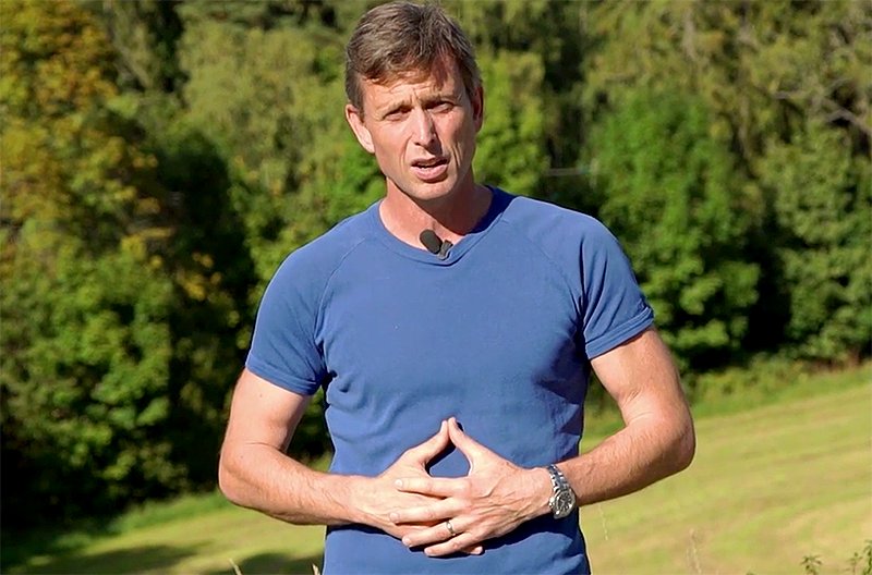 Michael Thorp ser betydelsen av probiotika - Foto: TV Helse