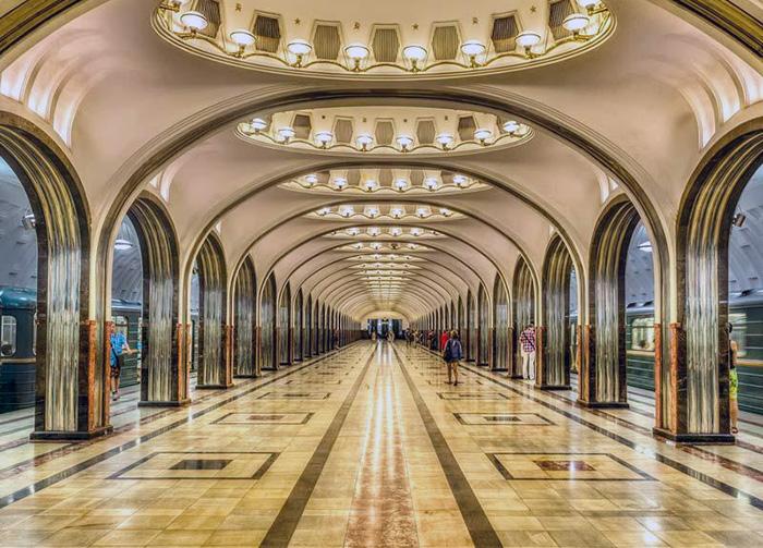 Moskvas tunnelbana - Foto: Kremlintour.com