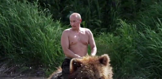 Putin rider en björn