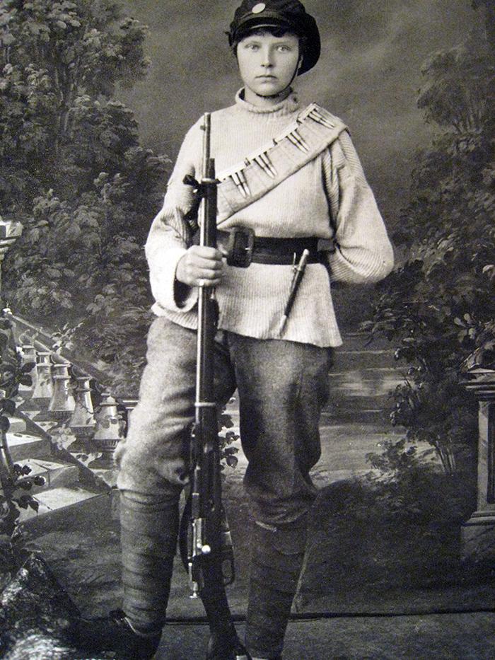 Finsk kvinnlig krigare - Röda gardet