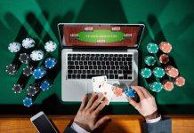 Onlinecasinon - poker online - Foto: Crestock.com