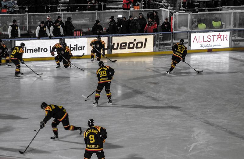 Uppvärming under svenska hockeyligan - Foto: Johan Hansson, Wikimedia Commons, CC BY 2.0