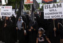 Demonstranter i Maldiverna vill 2014 införa sharialagar