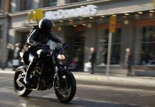Millennium 4, Salander (stuntkvinna) på sin bike, 14 apr 2018. Foto: Torbjörn Sassersson, NewsVoice.se