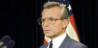 Frank Carlucci (1988) - Foto: US Department of Defense, Public Domain