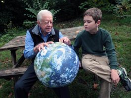 Jimmy Carter med sin sonson Hugo Wentzel, 2009. Foto: The Elders, Flickr.com, CC BY 2.0