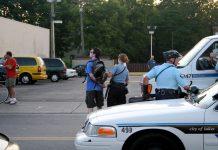 Polisen arresterar en man 2007 på Nicollet Avenue i South Minneapolis. Foto: Tony Webster, Flickr.com, CC BY 2.0