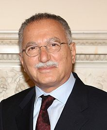 Ekmeleddin İhsanoğlu - Foto: Foreign and Commonwealth Office. Licens: Open Government Licence, Wikimedia Commons