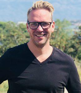 Mike Blixt anser att svenskarna försöker överbeskydda sverigebilden, privat foto