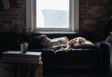 Sömn, sovande kvinna. Foto: FreePhotos. Licens: CC0, Pixabay.com