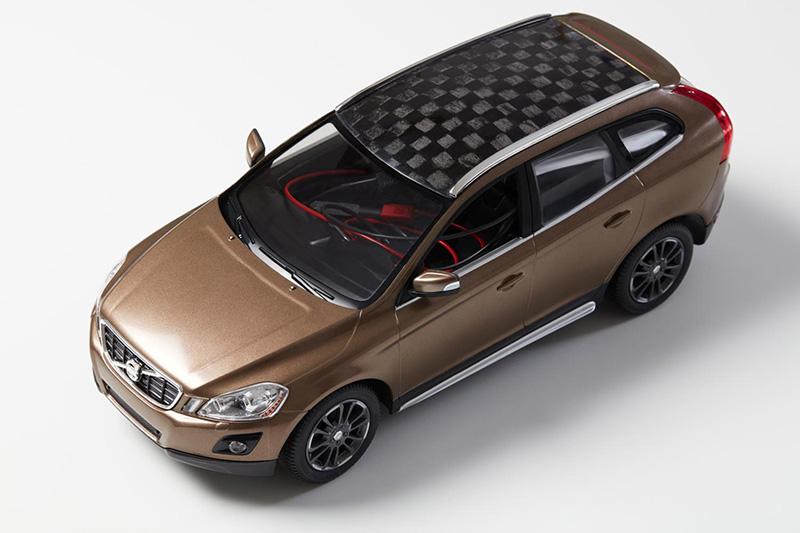 Modell av bil med komponenter baserade på lignin. Källa: Göran Lindbergh, KTH, Phys.org.