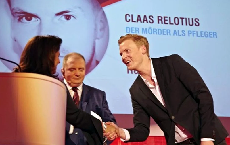 Claas Relotius receives his prize as CNN Journalist of the Year in 2014. Photo: CNN