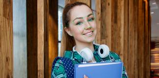 Ansiktsigenkänning (facial recognition). Foto Anastasiya Gepp (Pexels-licens). Montage: NewsVoice.se