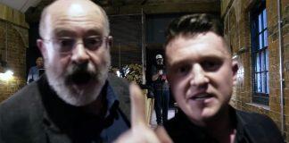 John Sweeney och Tommy Robinson (th). Foto: Robinsons film-team