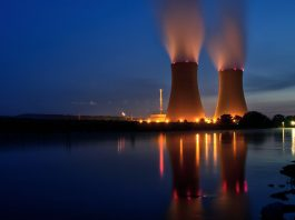 Kärnkraftanläggning - Foto: Wolfgang Stemme. Licens: Pixabay.com (free use)