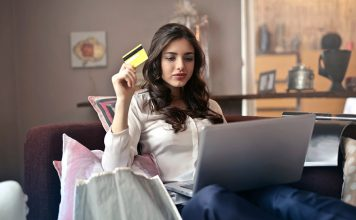 nyamobilcasinon.se och shopping online. Foto: Bruce Mars, Pexels.com (free use)