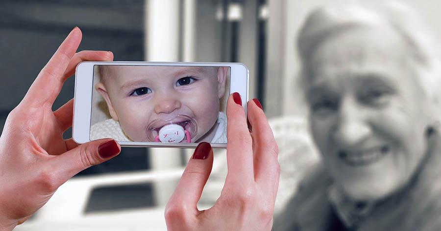 Alla generationer påverkas av smartphones och det kommande 5G. Foto: Gerd Altmann. Licens: Pixabay.com