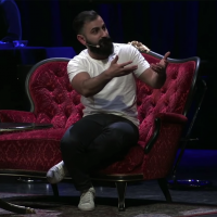 "Hanif Bali 11 april 2019 på Intiman. Foto: ""Hur Kan vi?"""