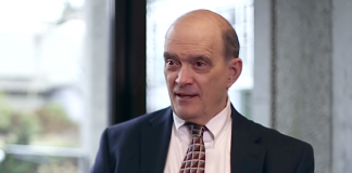 "William ""Bill"" Binney i april 2019. Foto: Abby Martin, Empire Files"
