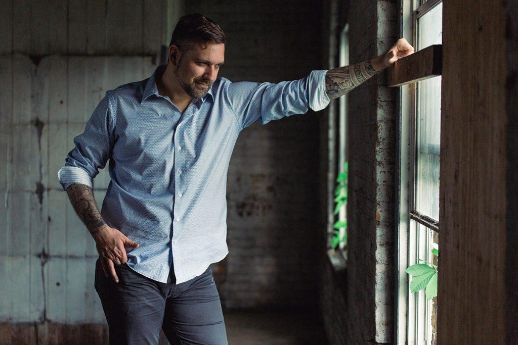Male, man, middel age, medelåldern. Foto: Jason Appleton. Licens: Pexels.com (free use)