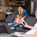 Family home smartphone. Foto: Mostphotos.se